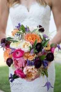 beautiful-wedding-bouquets-unusual-bright-with-white-dark-orange-and-pink-flowers-kelly-hornberger-photography-via-instagram-334x500