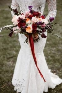 beautiful-wedding-bouquets-with-burgundy-pink-and-purple-flowers-decorated-with-ribbon-erin-morrison-photography-via-instagram-334x500