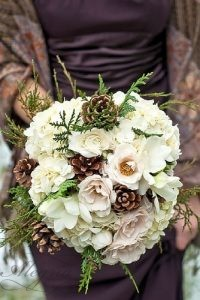 wedding-bouquets-that-are-beautiful-and-unique-aaron-varga-photography-334x500