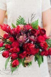 wedding-bouquets-that-are-beautiful-and-unique-angela-higgins-334x500