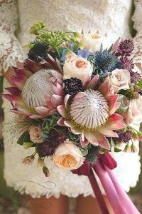 wedding-bouquets-that-are-beautiful-and-unique-chelsea-lavere-334x500