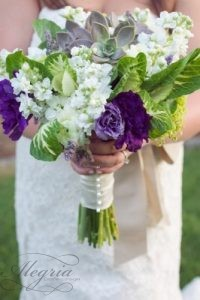 wedding-bouquets-that-are-beautiful-and-unique-live-view-studios1-334x500