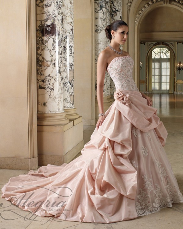 pink-couture-bridal-gown-by-Mon-Cheri-designer_Courtney03