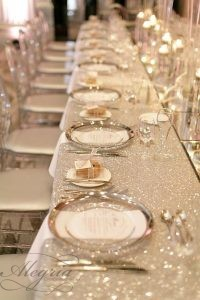 wedding-trends-2019-long-table-with-silver-tablecloth-and-plates-mango-studios