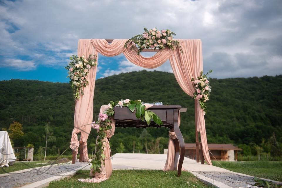 Сватби в Мидалидаре Истейт, село Могилово