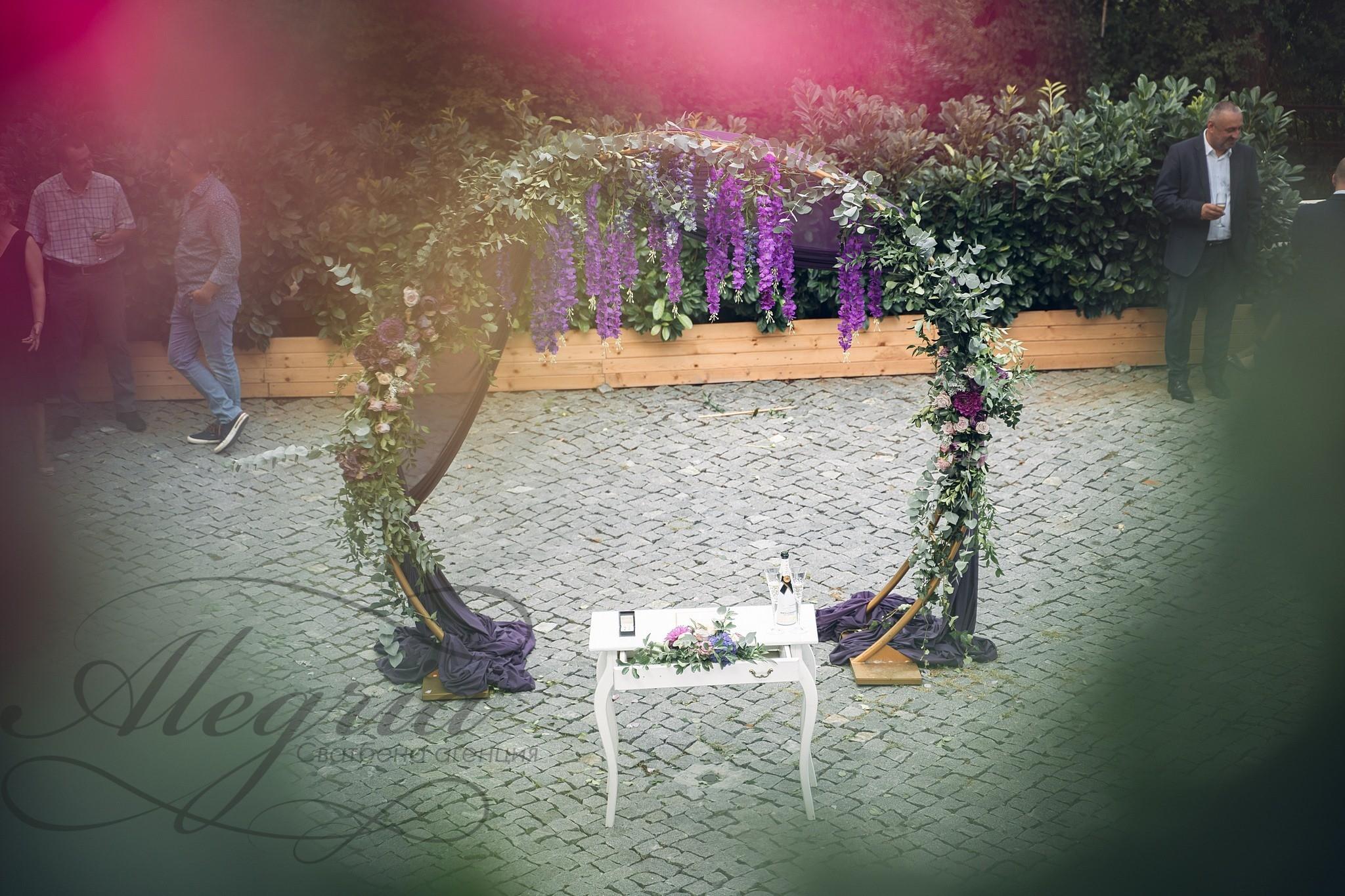 Сватбена декорация в резиденция Тера