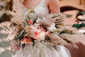 Красиви идеи за сватбен букет избрани от Сватбена Агенция Алегрия